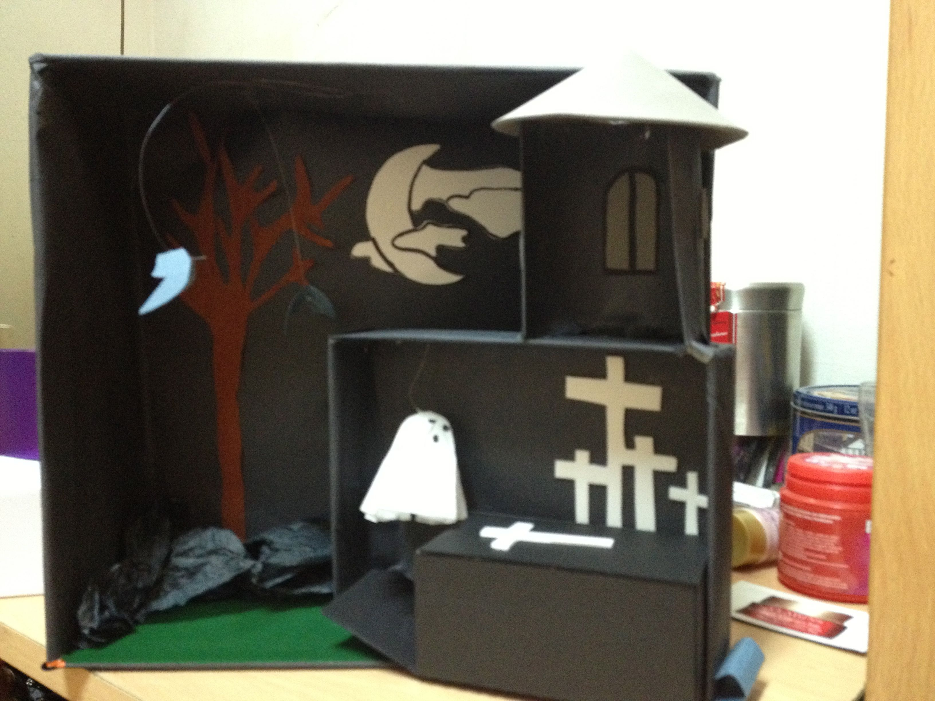 Casa terror cartón