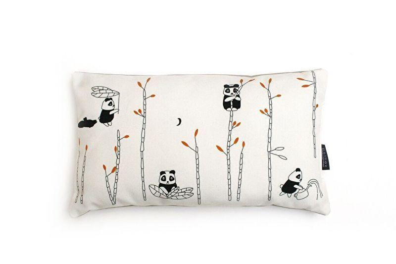 Kinderkamer Van Tate : Kussen kinderkamer panda pomme van esthex lieffeling moodboard