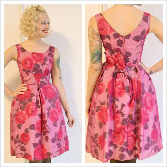 1950s dress // Field of Flowers Party Dress // by dethrosevintage ...