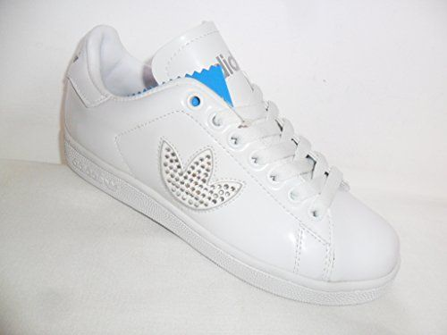 timeless design 81eb5 1f458 Pin by Trainers Paddock on Things to Wear | Adidas, Trainer ...