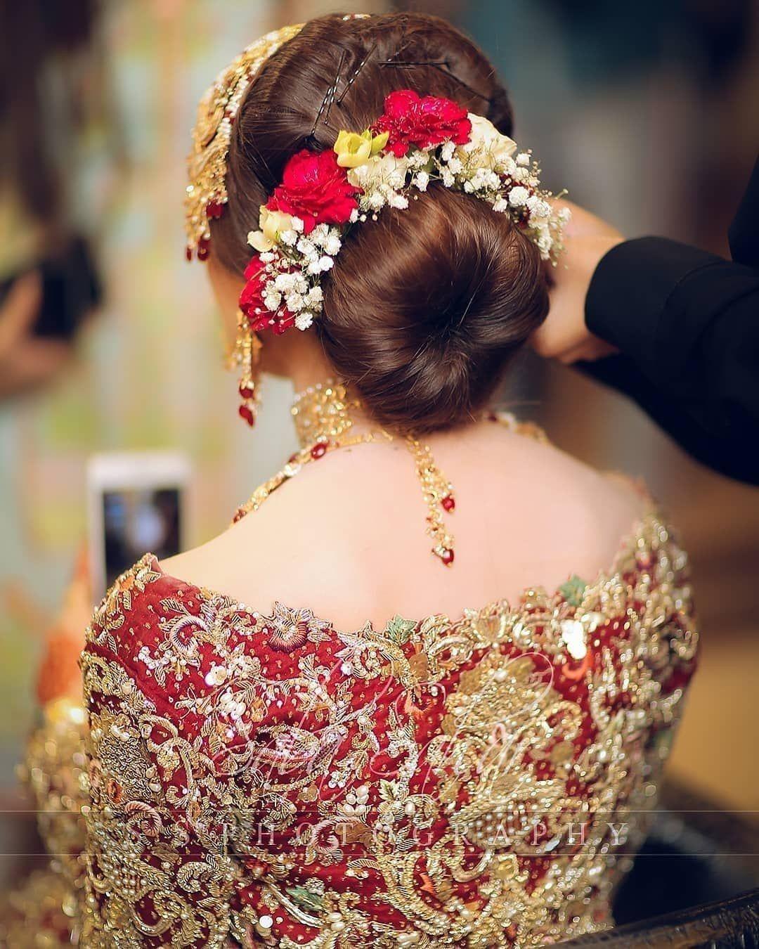 Pin By Rabia Tariq On Weddings In 2020 Pakistani Bridal Makeup Indian Bridal Hairstyles Red Bridal Dress