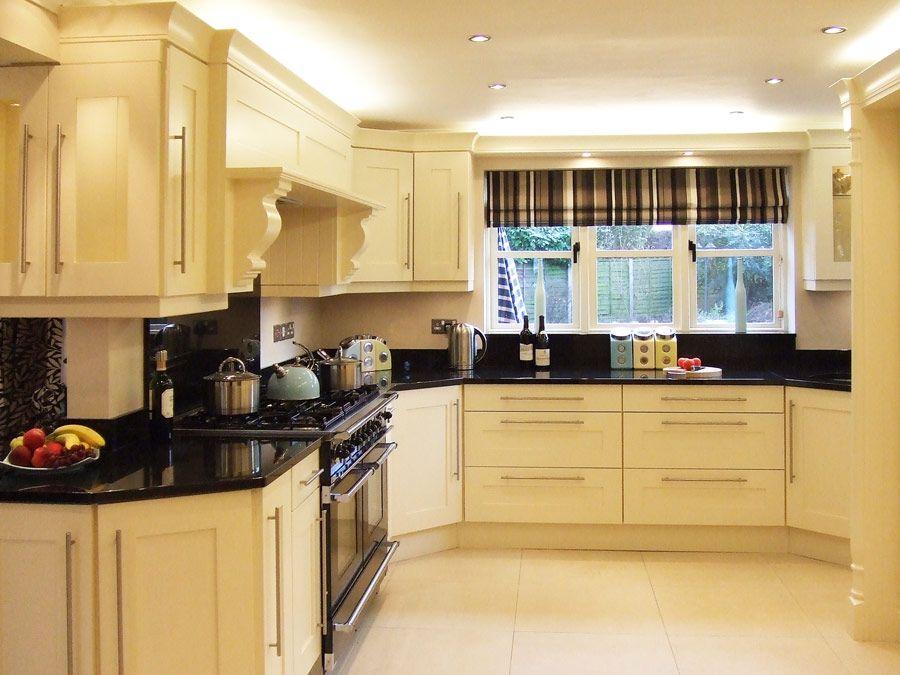Shaker kitchens white cream cabinets black worktops for Kitchen cabinets 51