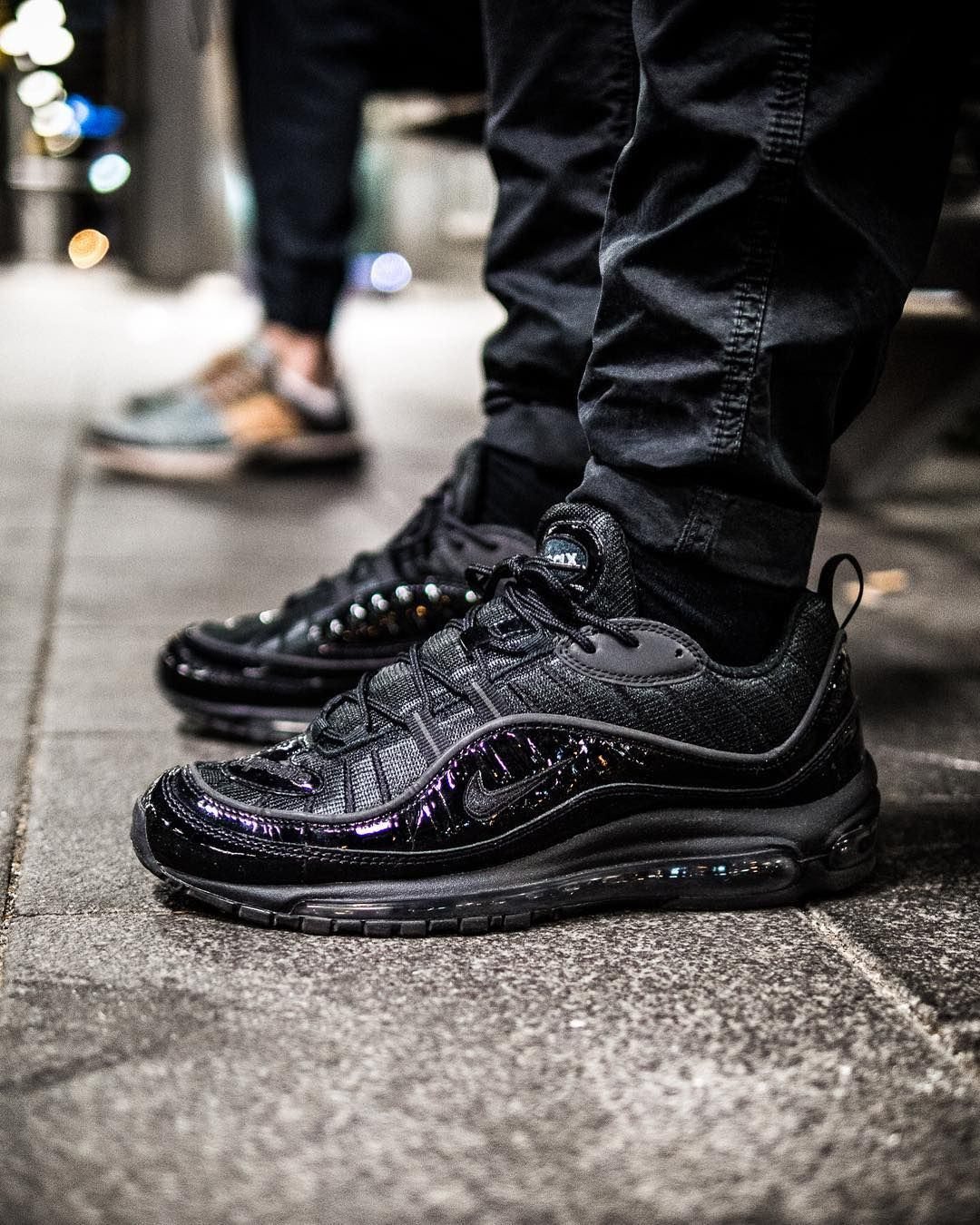 black air max 98 supreme