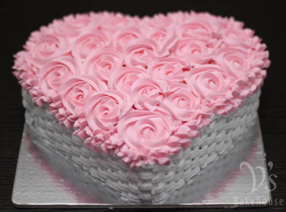 Chocolate Cake With Fresh Cream Basket Weave And Rosette