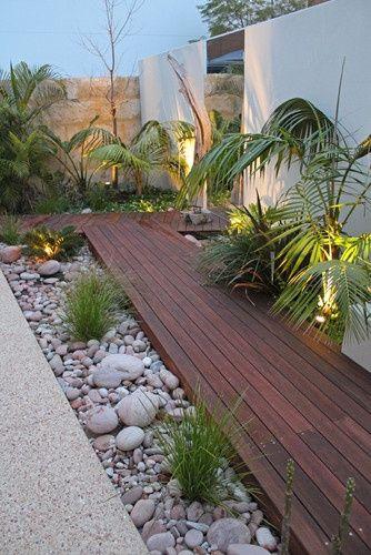 Die Terrasse als Wegbereiter. Finde Ideen und Tipps bei HolzLand Beese. #landscapingtips