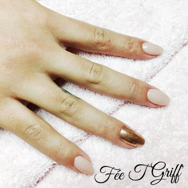 Pose d\u0027ongles résine Vp indigo Nails bare chemise Et pigment or rose indigo  Nails