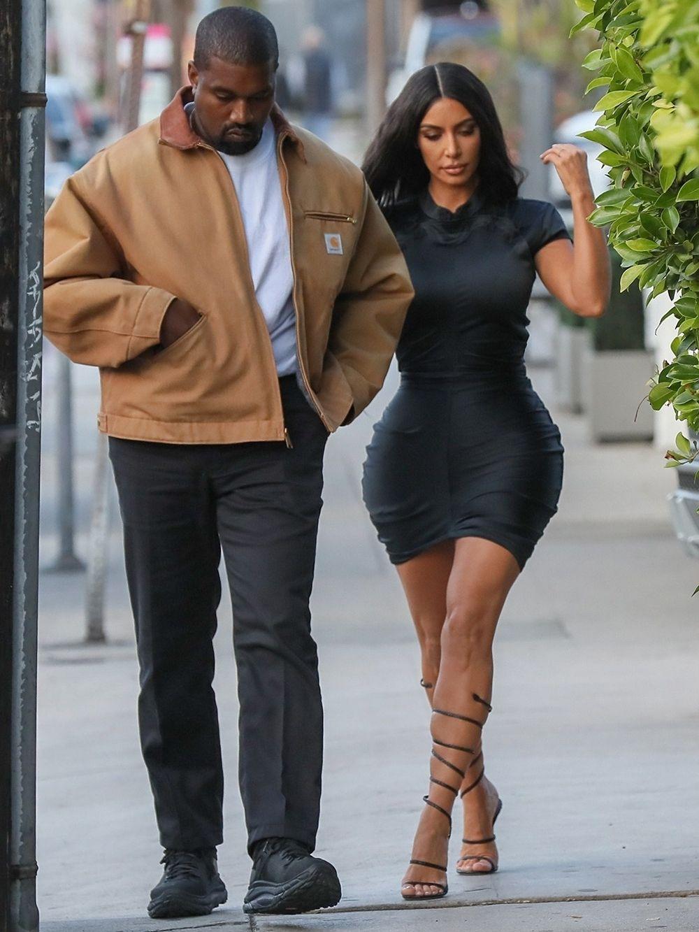 Kim Kardashian Kanye West S Hottest Couple Moments Photos Kim Kardashian Kanye West Kim Kardashian Outfits Kim Kardashian And Kanye