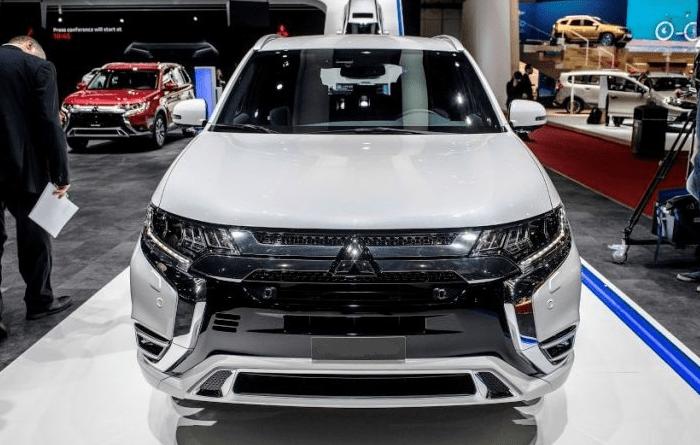 2021 Mitsubishi Outlander Phev Release Date Changes Colors Interior With Images Mitsubishi Outlander Outlander Phev New Suv