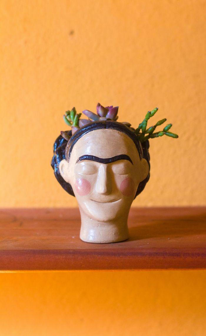 übertöpfe Für Zimmerpflanzen pflanzkübel zimmerpflanzen keramik übertopf frida kahlo blumen