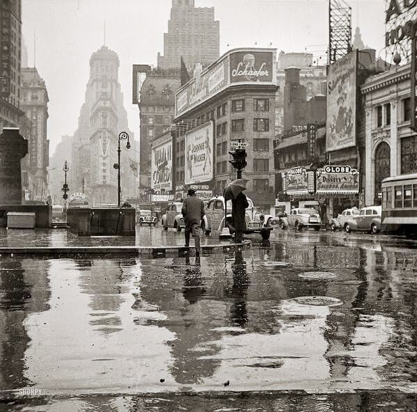 Times Square, New York, 1943