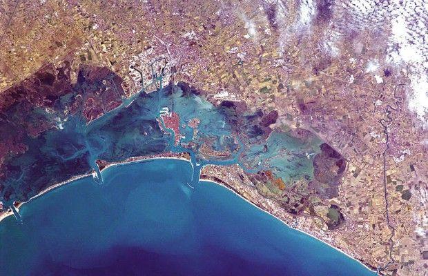A cidade de Veneza, na Itália, vista de um ângulo pouco explorado (Foto:  Divulgação/Chris Hadfield)