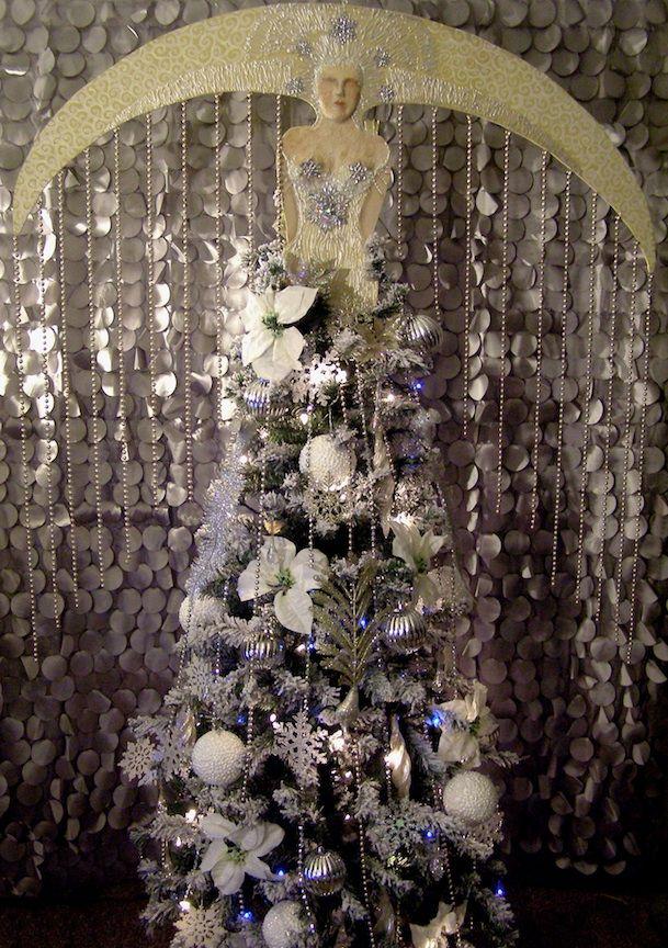 Art Deco Christmas Tree Great Gatsby Party Great Gatsby Christmas Speak Easy Pampas Grass Tr Art Deco Living Room Fabulous Living Room Decor Christmas Tree