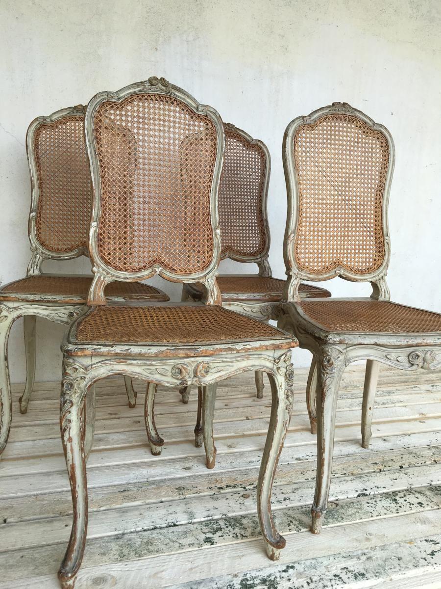 Suite De Quatre Chaises Cannees De Style Louis Xvi Antiquites Chanel Proantic Chaise Cannee Chaise Deco Appartement