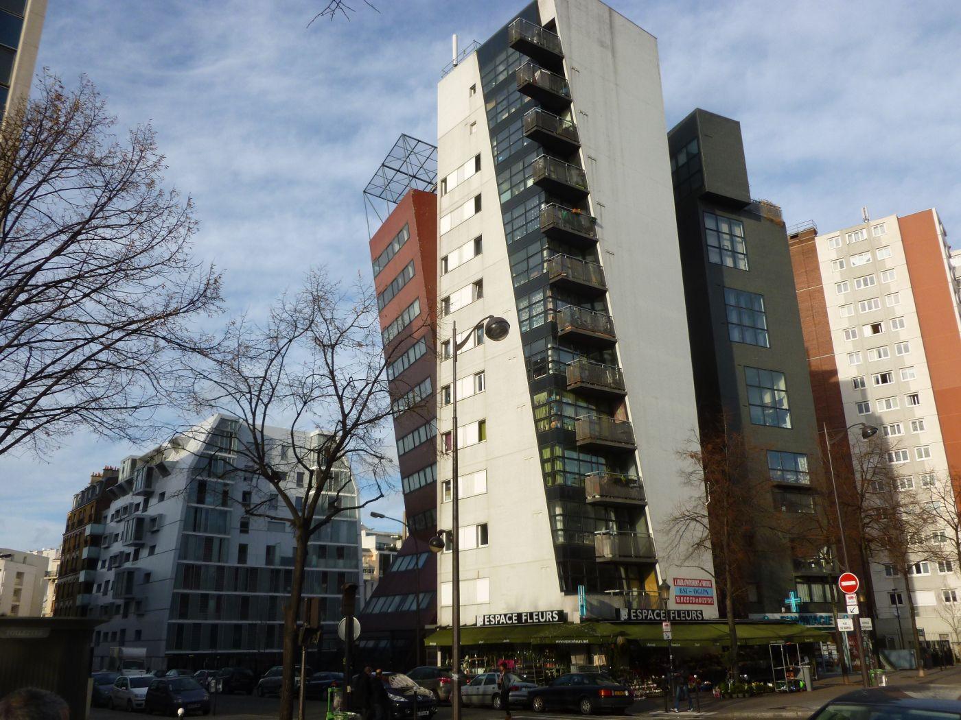 Paris 75019, ensemble d'habitations (Tectône architectes 1996).