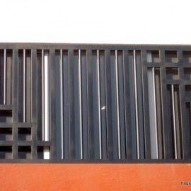 fotografa de rejas verticales de hierro como para ventana moderna