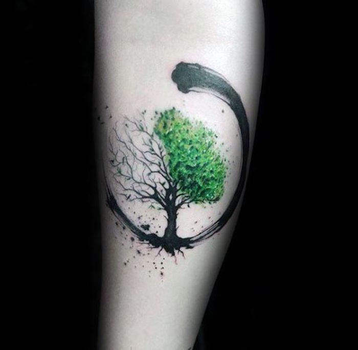 ein keltisches tattoo mit dem baum des lebens eine halbe. Black Bedroom Furniture Sets. Home Design Ideas