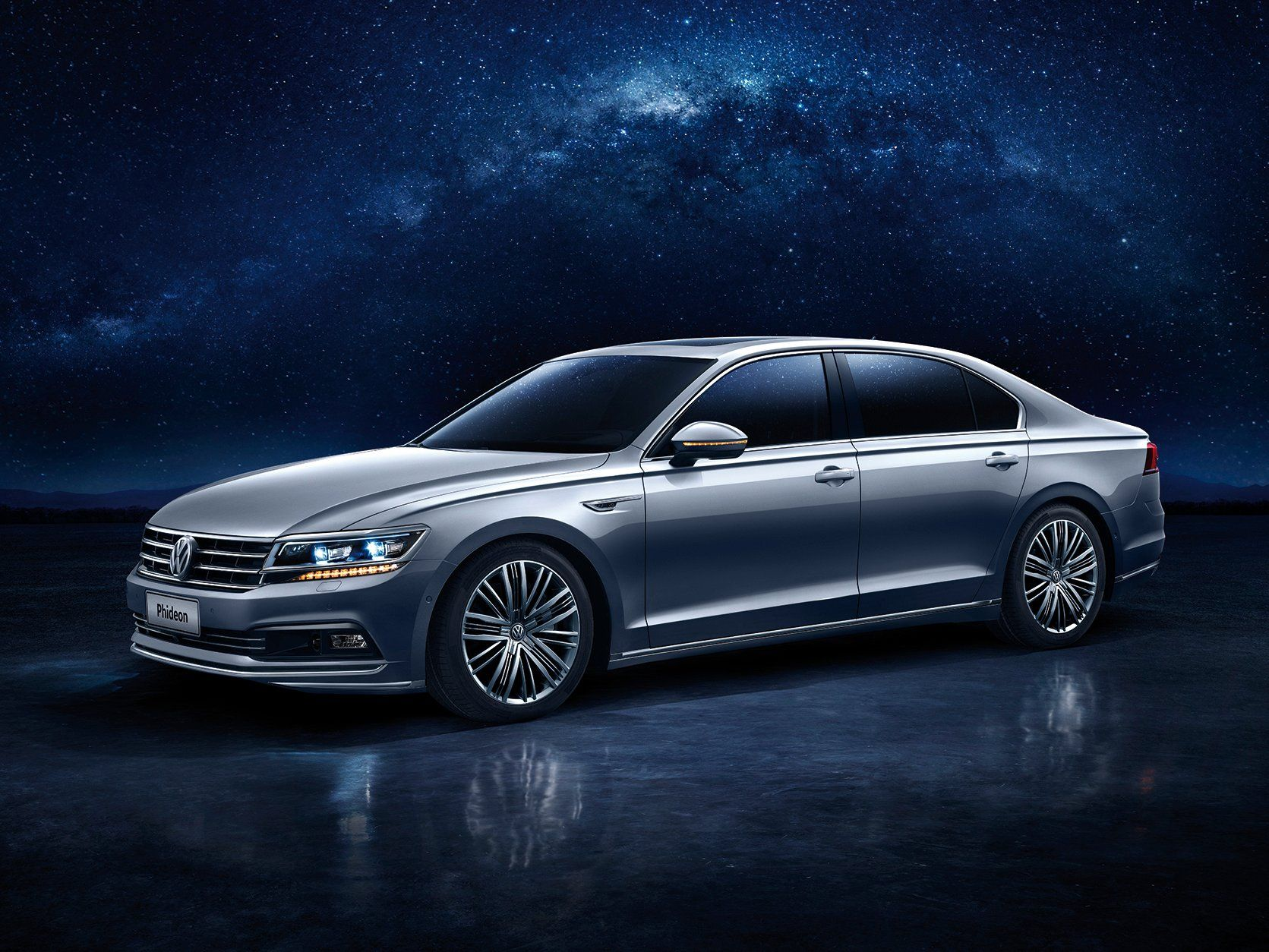 This Is The New Flagship Vw Luxury Sedan But You Can T Have One Volkswagen Phaeton Volkswagen Luxury Sedan