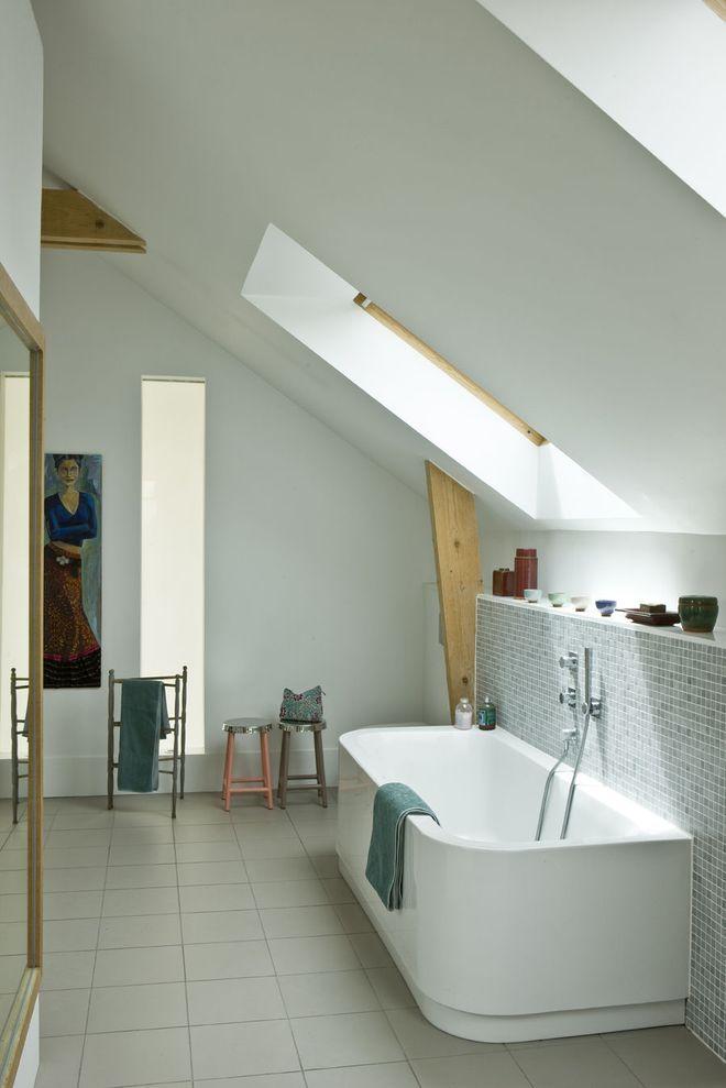 Une salle de bains bien équipée Salle de bains Pinterest
