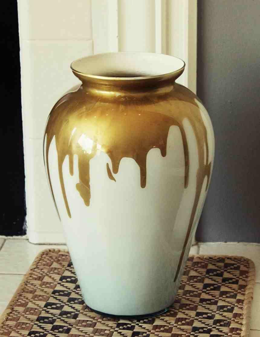 Diy Paint Drip Design On Your Milk Vase Glass Vase Decor Drip Painting Vase Design