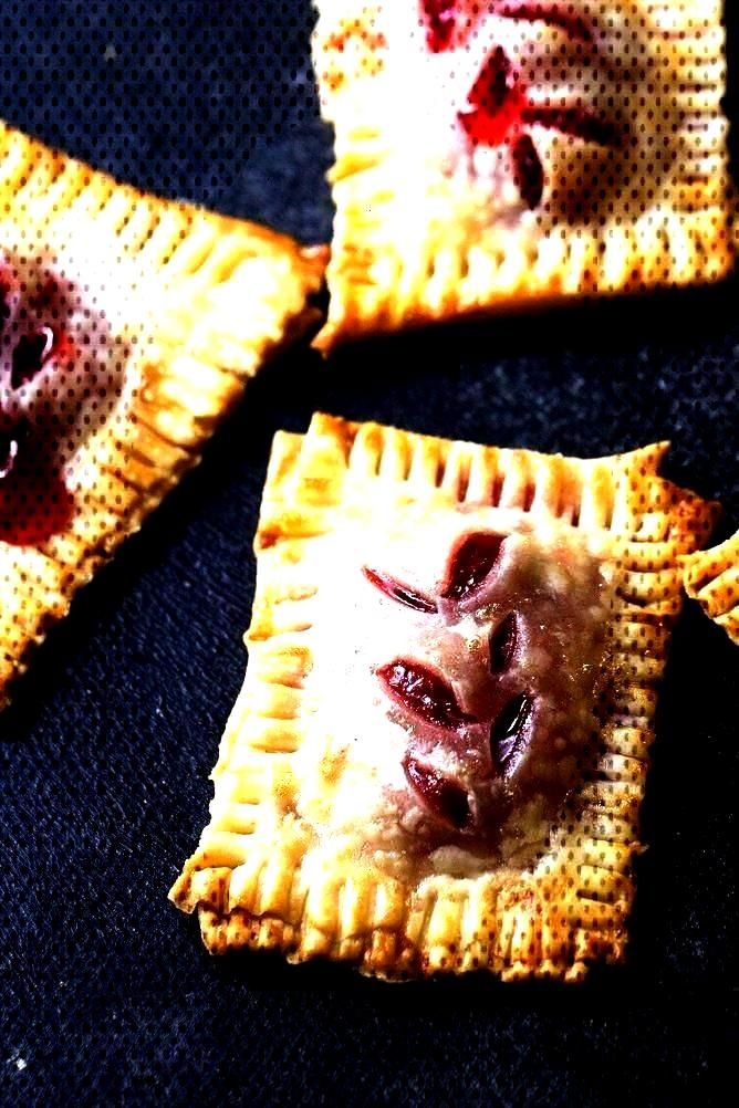Size Cherry Pies | Six Sisters' Stuff Bite...Bite Size Cherry Pies | Six Sisters' Stuff Bite...  Yo