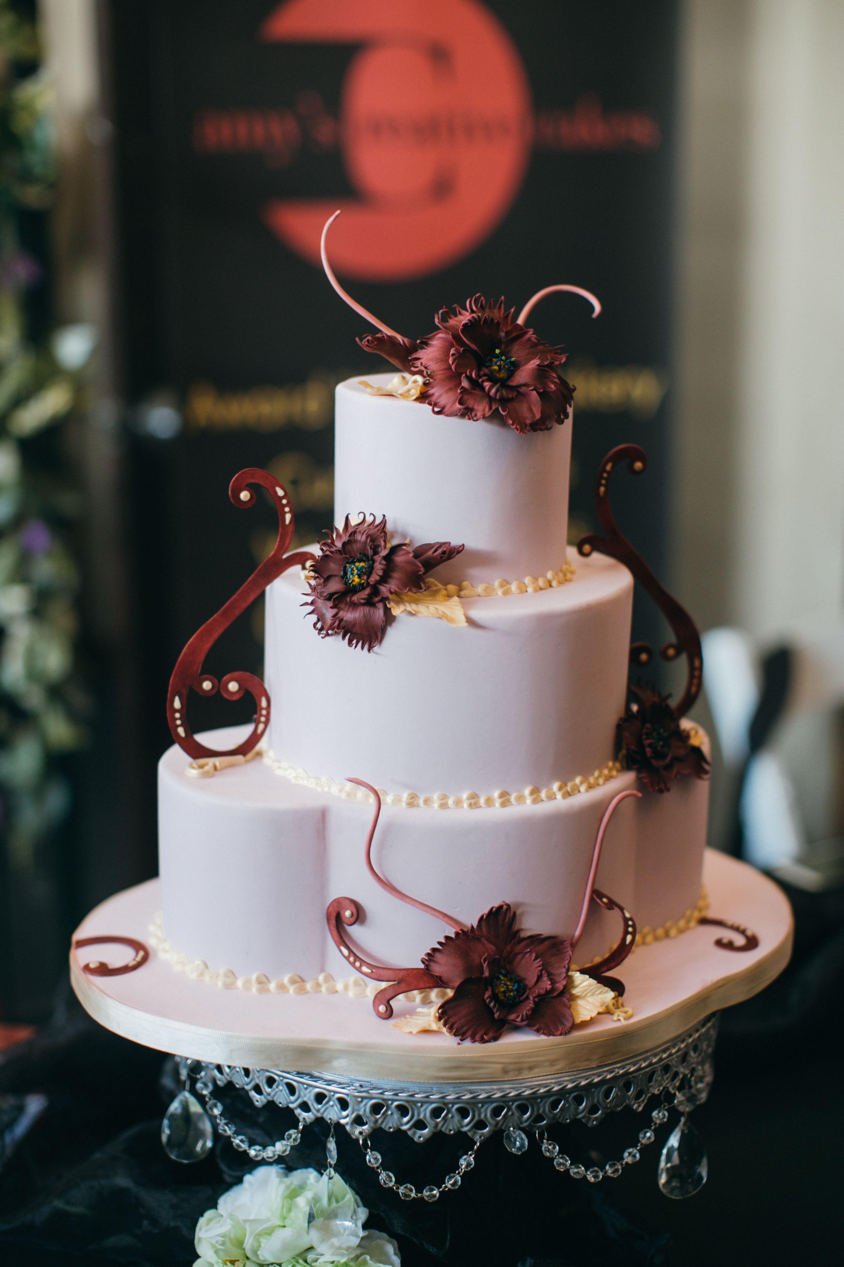 Amys creative cakes a unique vendor at our twisted vines