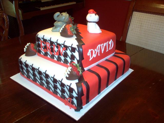 AlabamaGeorgia House Divided Birthday CakeWe so need this LSU