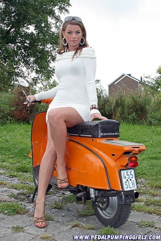 ZUNDAPP | Scooter girl, Vespa girl, Motorbike girl
