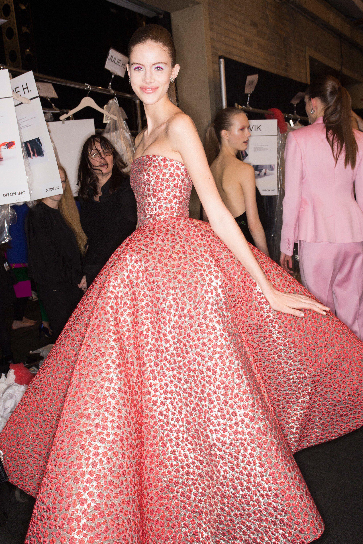 Oscar de la renta fall readytowear fashion show beauty