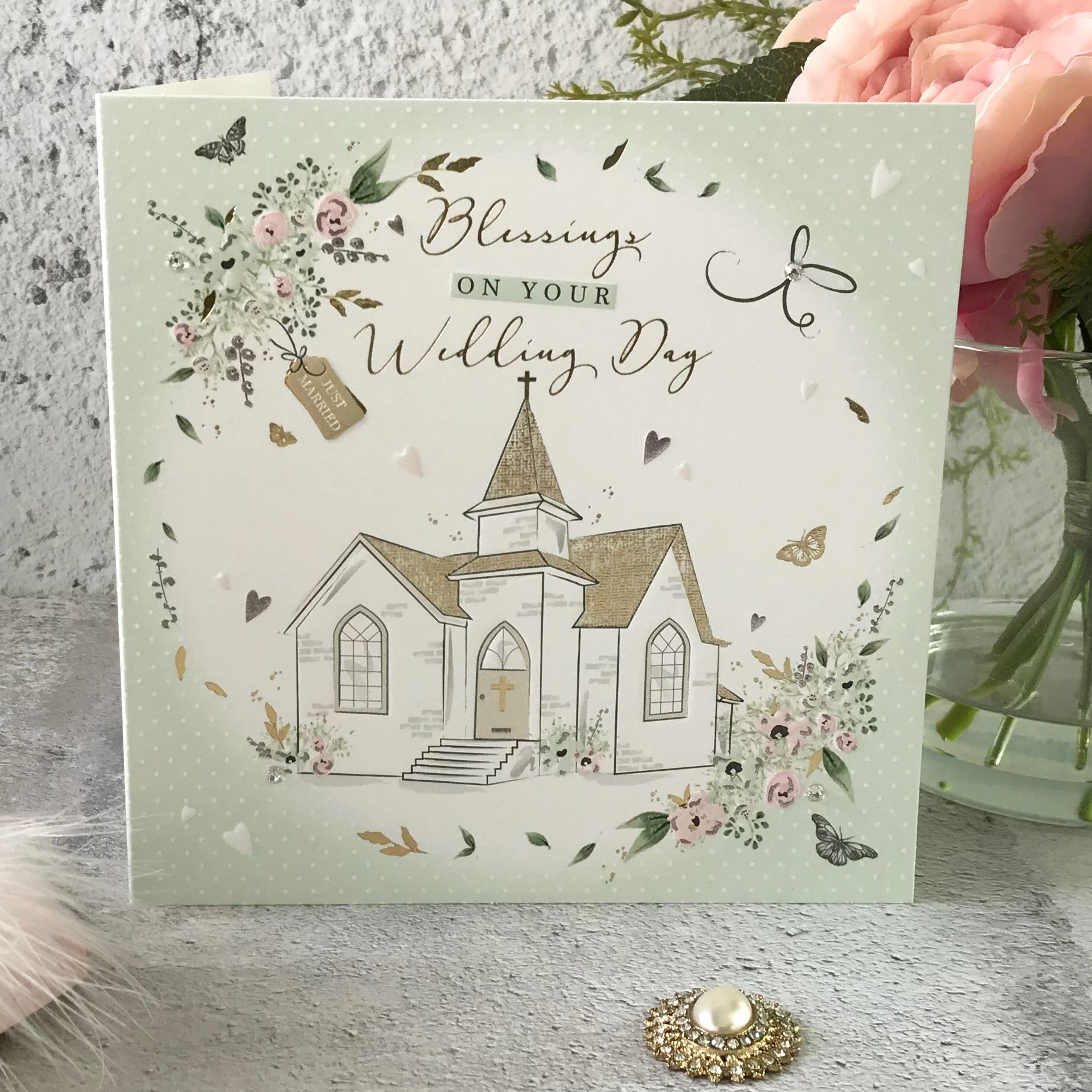 To the new Mr and Mrs on your Wedding Day Cake Handfinished Wedding Card
