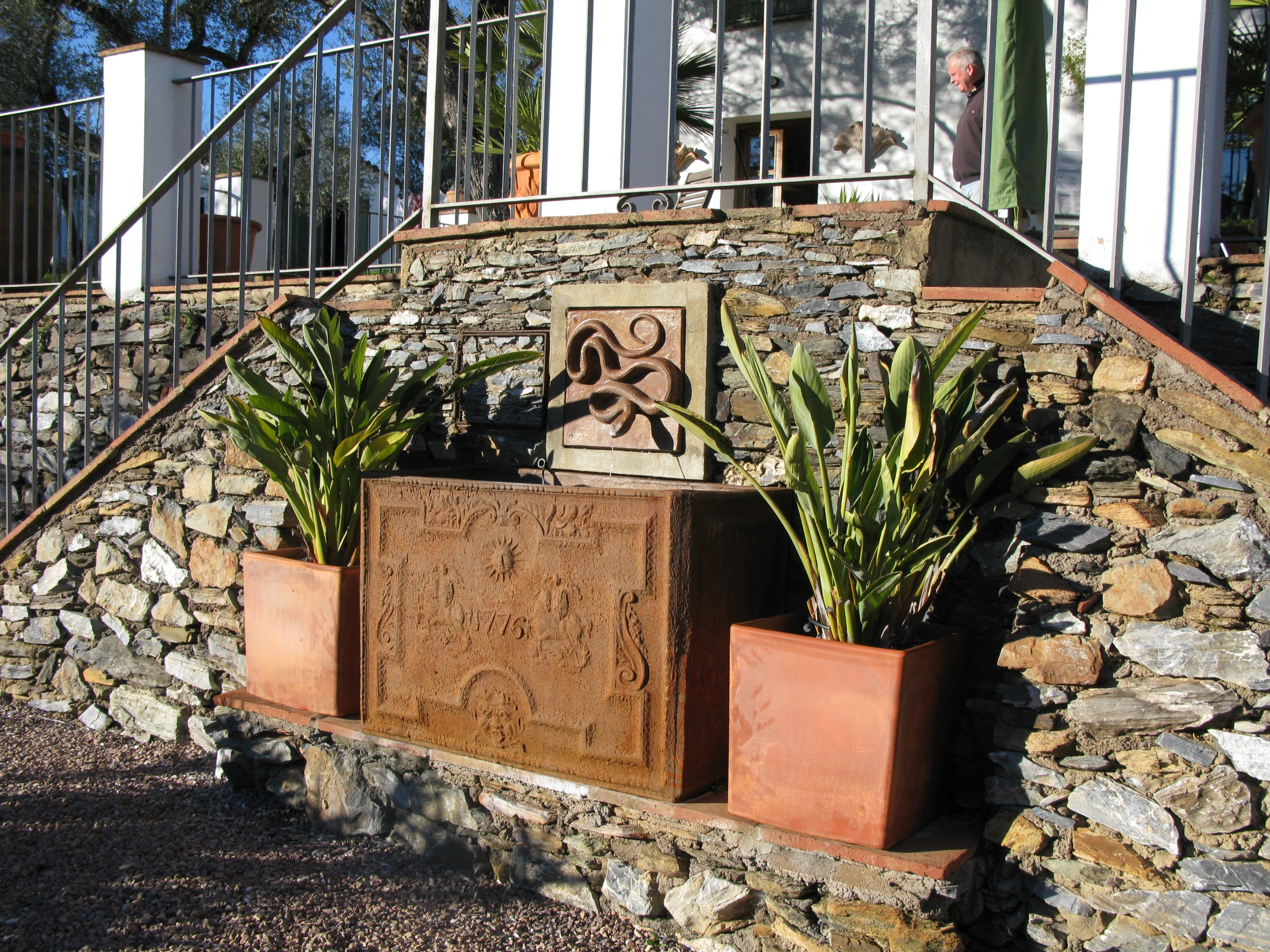 Tank supplied by capital garden products snake ceramic - Wall mounted water feature ...