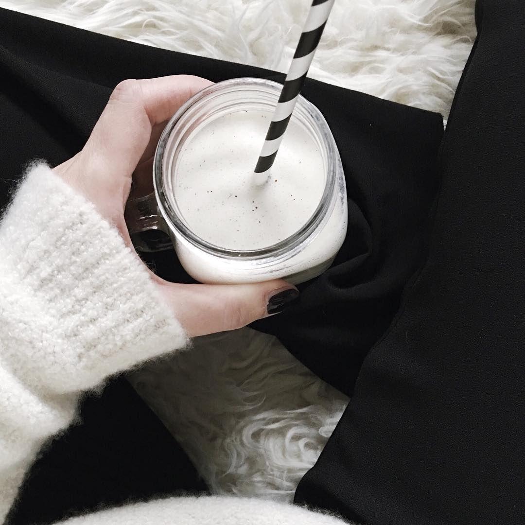 Monochrome breakfast | onlinestylist on Instagram |