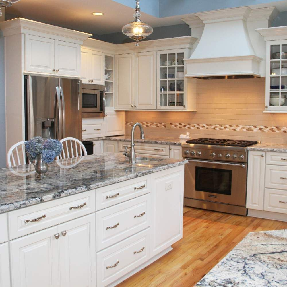 Traditional White Kitchen With Blue Azurite Granite White Kitchen Vintage Traditional Kitchen White Kitchen Traditional