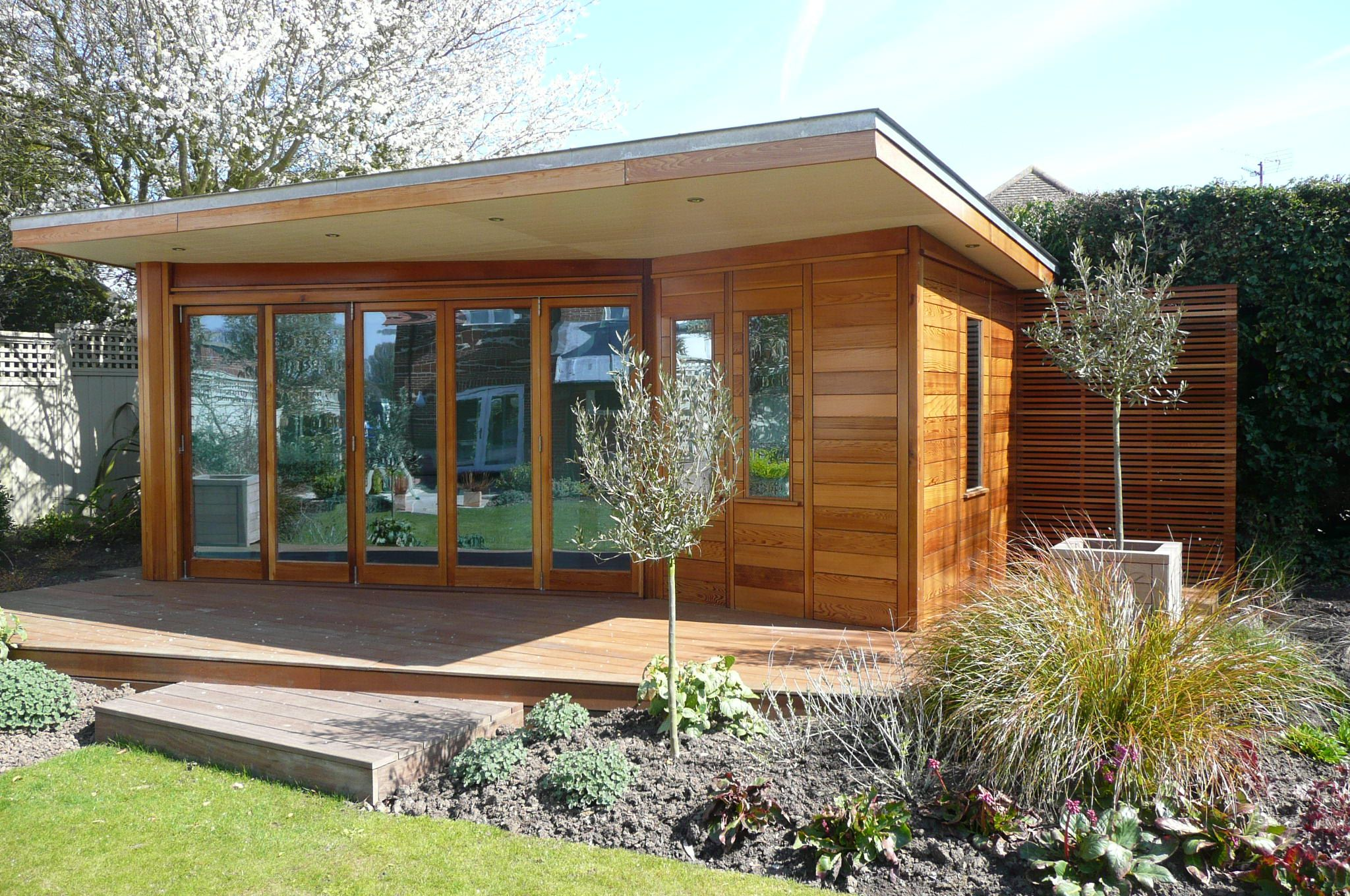 Summer house google search back garden pinterest for Cheap garden office buildings