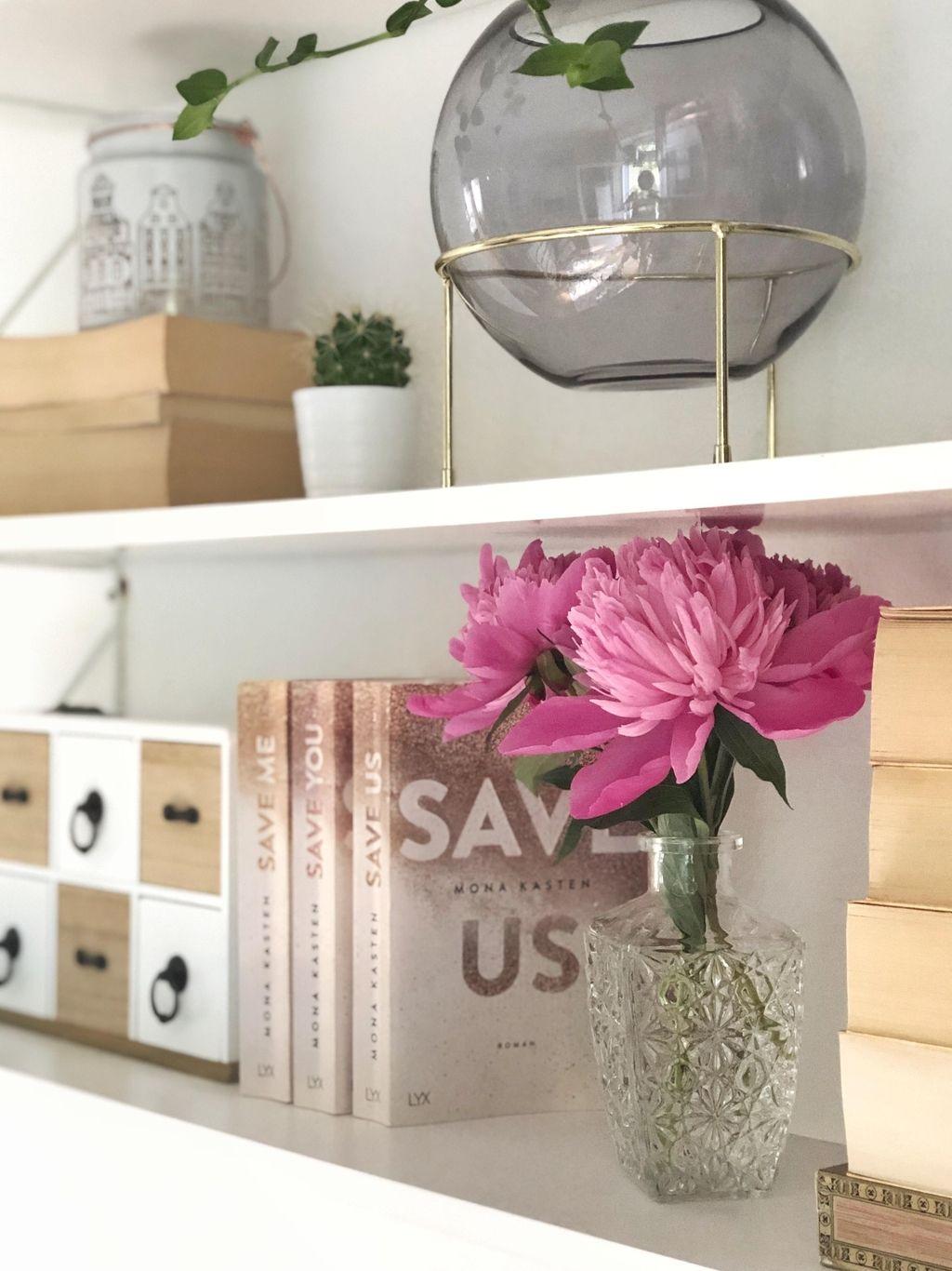 #homedetails #bookshelf #pinkpeonies #decorlove #whiteliving