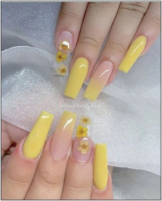 31+ Awesome Acrylic Nail Designs Ideas for This Summer 2020 : Page 8 of 31 : Creative Vision Design #acrylicnails