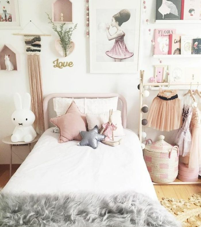 decoration chambre fille lit en mtal rose couvertire de lit grise coussin rose - Chambre Scandinave Fille