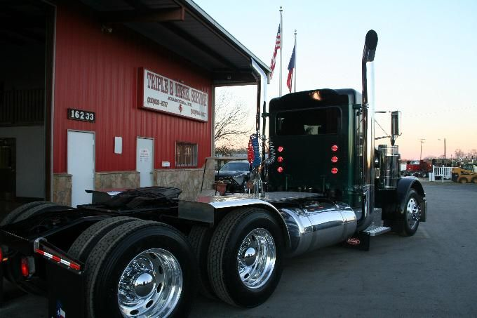 Custom Semi Truck Inventory Rigs Day Cabs Sale Financing Tandem
