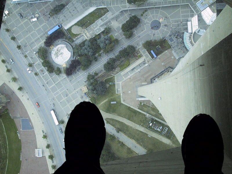 Glass Floor Cn Tower Estudia En Toronto Pinterest Cn Tower