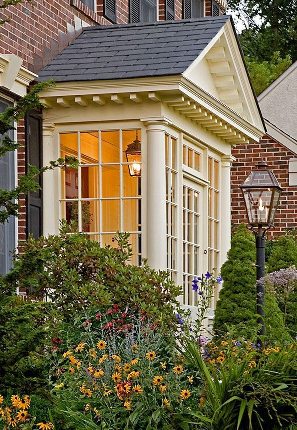 42 Traditional Cape Cod House Exterior Ideas House With Porch