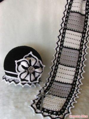 matching hat & scarf ♪ ♪ ... #inspiration_crochet #diy GB .