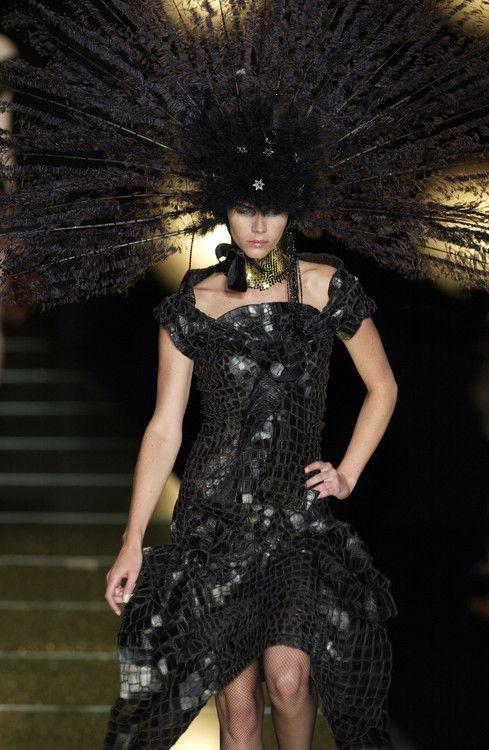 Christian Dior Fall 2002 Haute Couture ♥♥♥