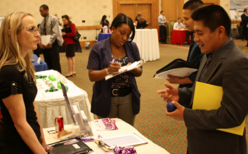 Benefits of Attending a Job Fair 1- Practice 2-Decision Makers 3-Resume Feedback