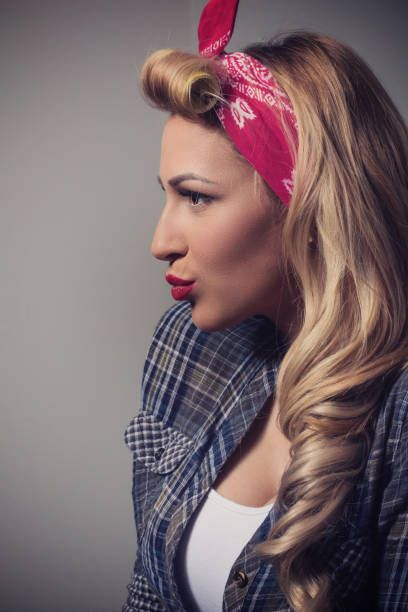 blond model vintage concept pin up style