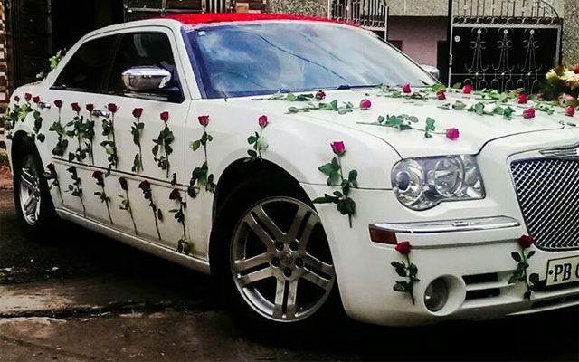 Chrysler 300 C Available In Chandigarh Jalandhar Ludhiana Amritsar Barnala Bathinda Hoshiarpur Faridkot F Wedding Car Luxury Car Rental Luxury Car Hire