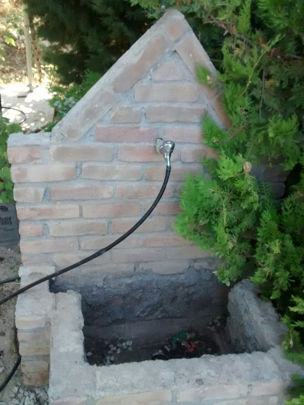 Prof Cesmesi Godene Water Features Garden Water