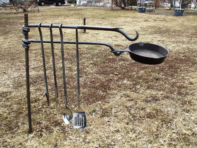 Lagerfeuerkochwerkzeuge | Meine Tapete # Lagerfeuer # Kochen # Werkzeuge # Tapet...#kochen #lagerfeuer #lagerfeuerkochwerkzeuge #meine #tapet #tapete #werkzeuge