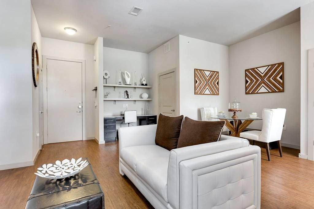 Upscale Stay By Lady Bird Lake ☆ King Bed ☆ Wi Fi   Apartments For ·  Apartments For Rent InLocal ...