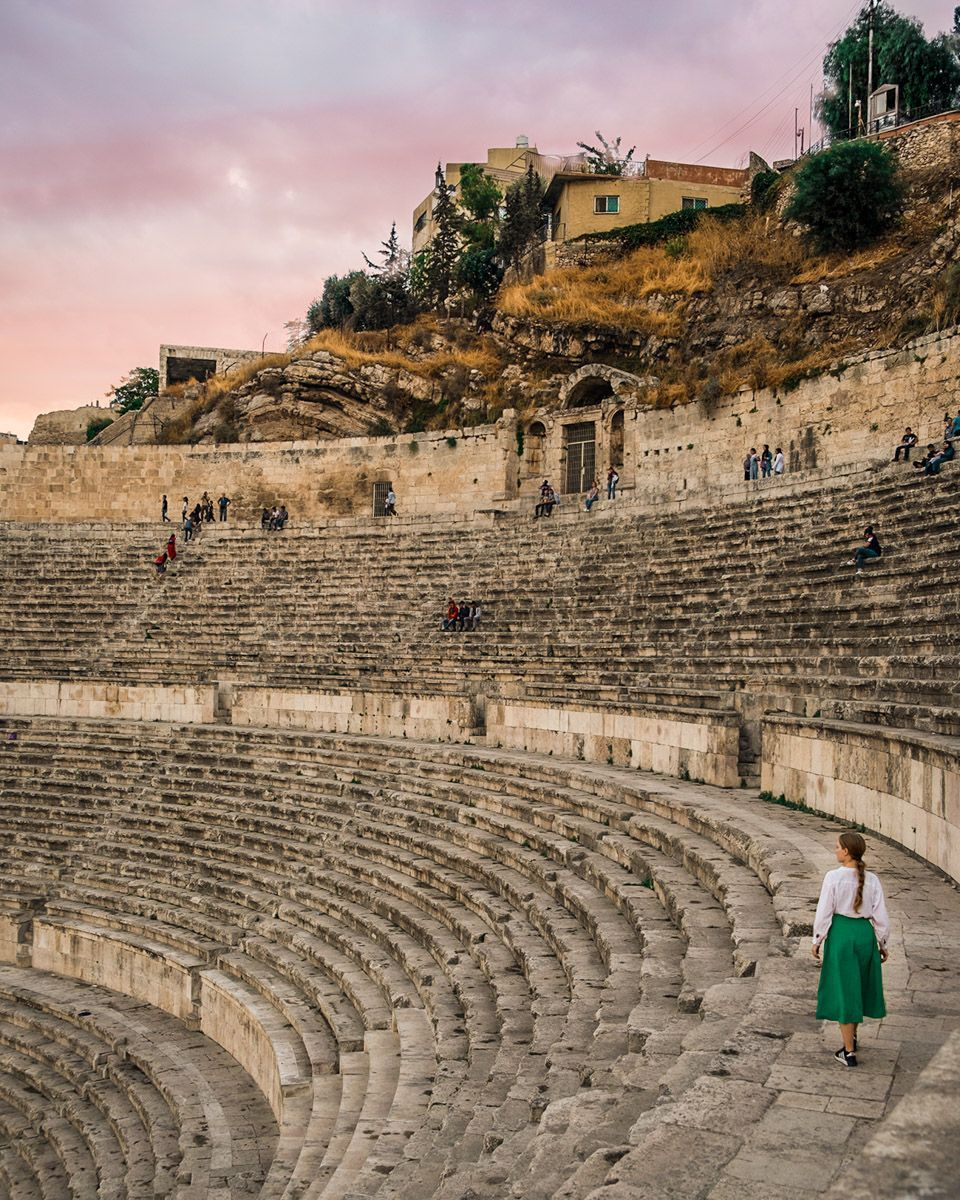 Amman | Jordan | Roman Theatre | Amman photography | Amman travel inspiration | Jordan travel | Middle East travel | Solo female travel #middleeastdestinations Amman | Jordan | Roman Theatre | Amman photography | Amman travel inspiration | Jordan travel | Middle East travel | Solo female travel #ammanjordan