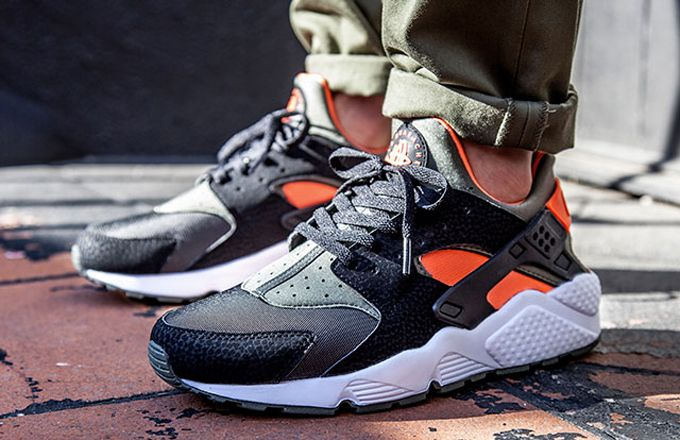 The Nike Air Huarache Is Now Available In An Undefeated Colorway Nike Air Huarache Running Shoes For Men Nike Free Shoes