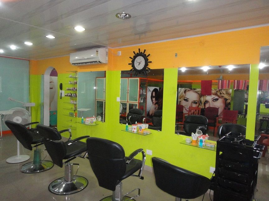Zain Beauty Studio Provides You All Types Of Beauty Services At Reasonable Pricing In Kochi Calicut Dubai Uae Beauty Services Beauty Saloon Beauty Studio